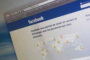 La-page-d-accueil-du-reseau-social-Facebook_scalewidth_300